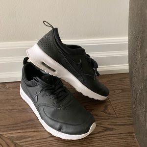 Nike Black Leather Trainers ✅
